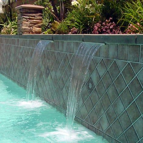 Cascata de parede para piscina