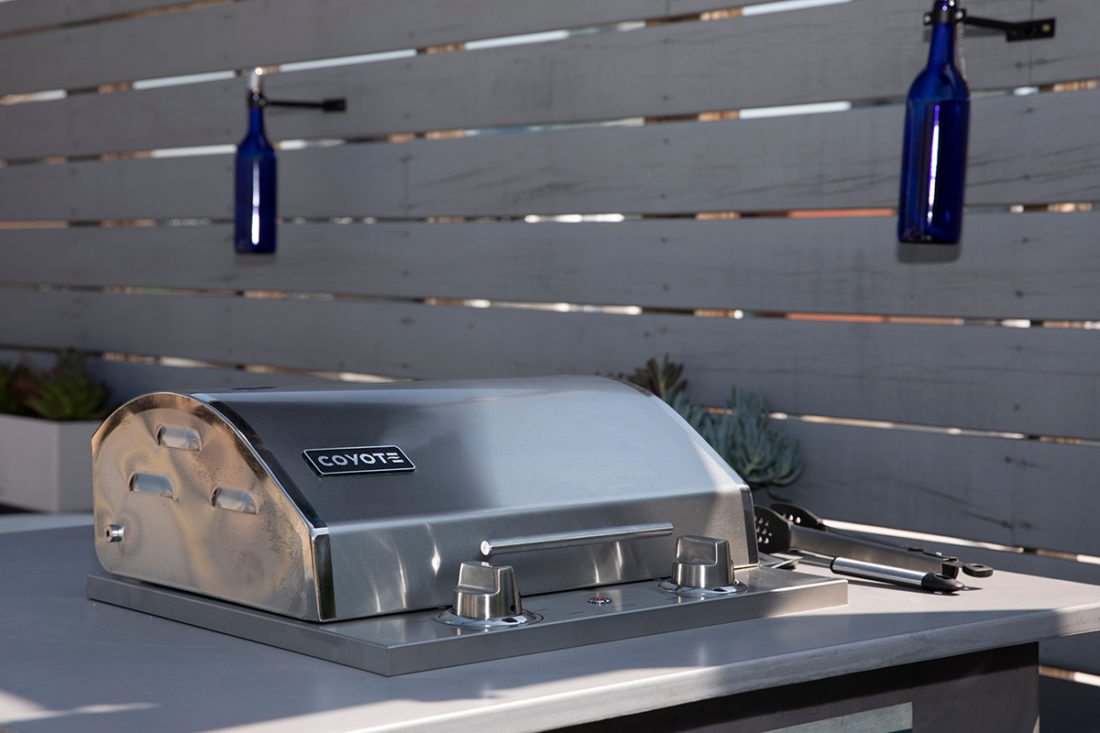 Coyote 18-Inch Portable Electric Grill